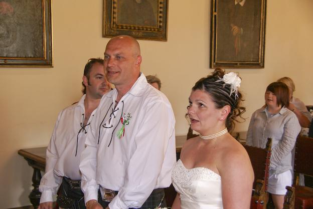 Matrimonio In Kilt : Matrimonio in kilt a barga giornale di